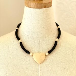 """Vintage Avon """"Modern Heart"""" Necklace 1988"""